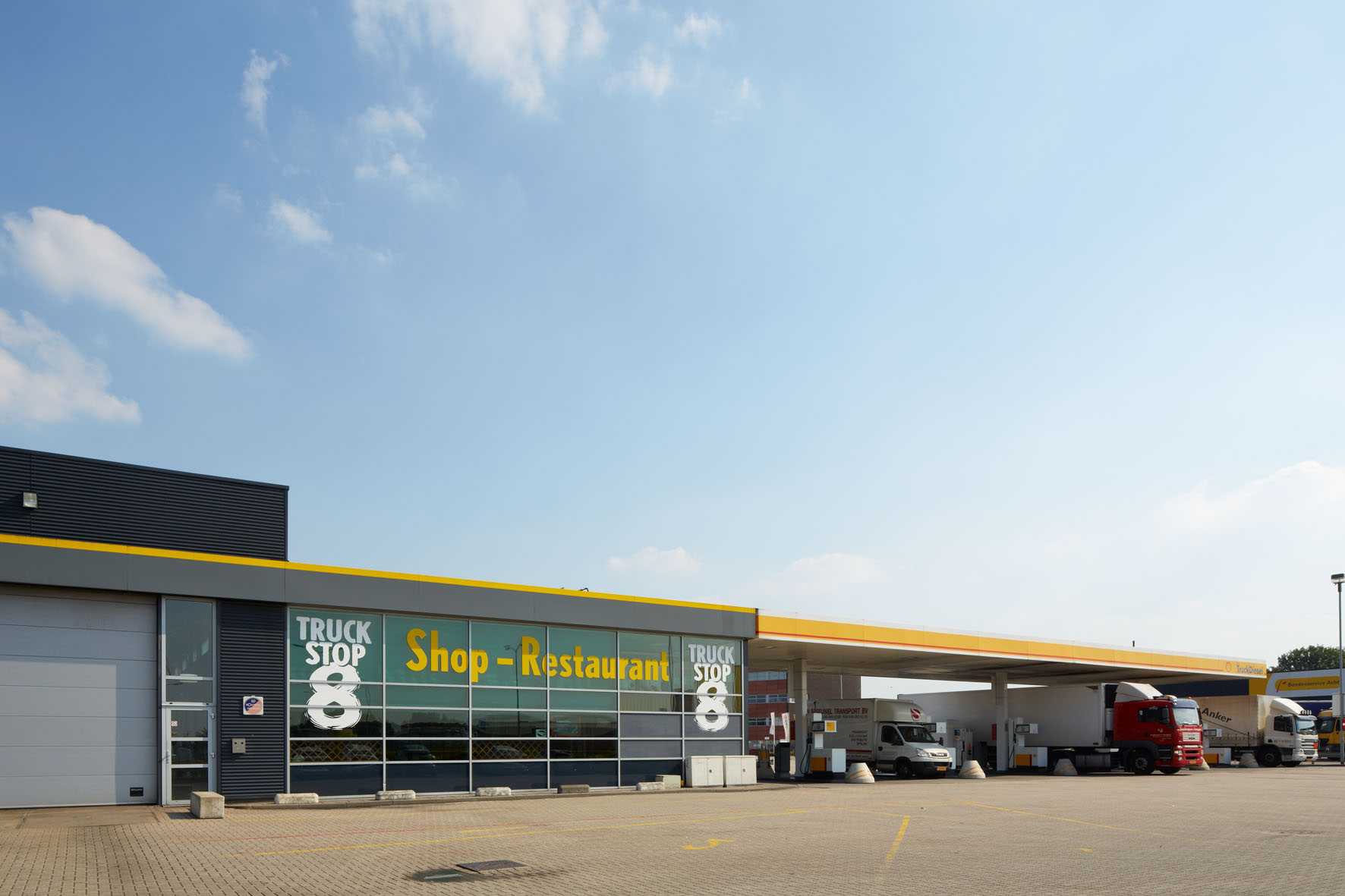 Truckstop 8, Shop, Restaurant en Tankstation